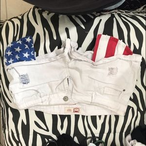 L.E.I. Ashley low rider shorts flag pocket size 15